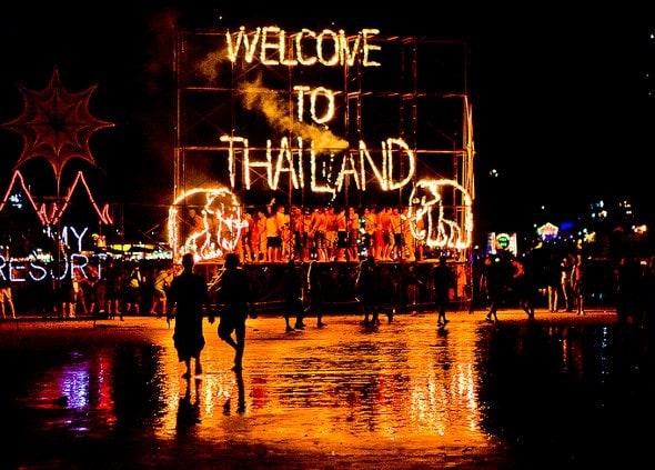 Thailand backpacken, thailand backpack, thailand volle maan, thailand volle maan feesten, thailand feesten, thailand party, Koh Phangan, full moon Thailand, full moon party, full moon party Thailand, Koh Ohangan Thailand, Koh Tao Thailand, Full moon Koh Tao
