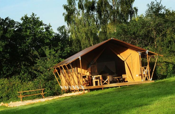 Glamping, glamour camping, luxe kamperen, glamour camp, luxe kamperen Nederland, luxe kamperen Frankrijk, luxe kamperen Hongarije, luxe camping, Simply Canvas safaritenten, Casita on Wheels, Tralaluna, Mokus Valley, Kimaro Farmhouse