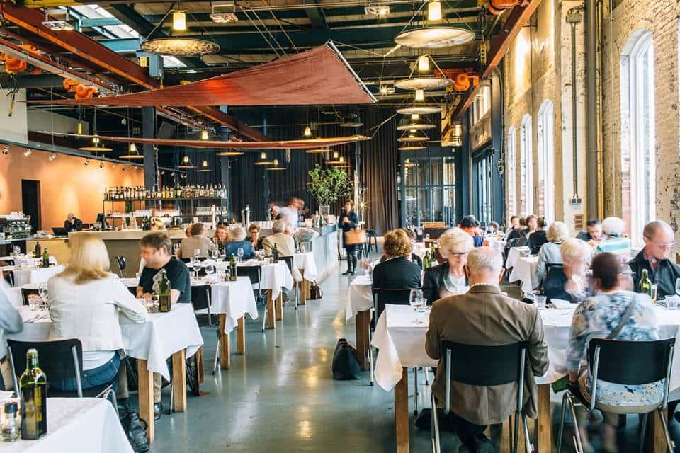 De 10 lekkerste oesters van amsterdam travel rumors for Seafood bar van baerlestraat amsterdam