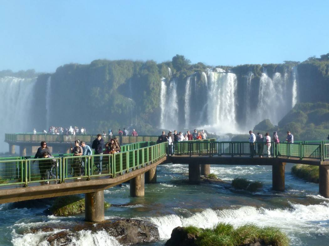 Duivelskeel in Foz do Iguaçu Brazilië, Duivelskeel Foz do Iguaçu, Duivelskeel Brazilië, Foz do Iguaçu, Brazilië, Foz do Iguaçu Brazilië, waterval Zuid amerika, waterval Brazilië, watervallen Brazilië, watervallen zuid amerika, waterval Argentinie, watervallen Argentinie, Rio de Janeiro Brazilië, São Paulo Brazilië, Iguaçurivier, Iguaçurivier Brazilie, Iguaçurivier Argentinie, rondreizen Brazilië, vakantie Brazilië, backpacken Brazilië, reizen Brazilië, op vakantie Brazilië, rondreizen Argentinie, vakantie Argentinie, backpacken Argentinie, reizen Argentinie, op vakantie Argentinie, La Garganta del Diablo, La Garganta del Diablo Argentinie, Duivelskeel, Duivelskeel Argentinie, Parque des Aves, Parque des Aves Argentinie, Parque des Aves Brazilië, Travel Rumors, Riksja Travel, Brazilie Online, Argentinie Online,