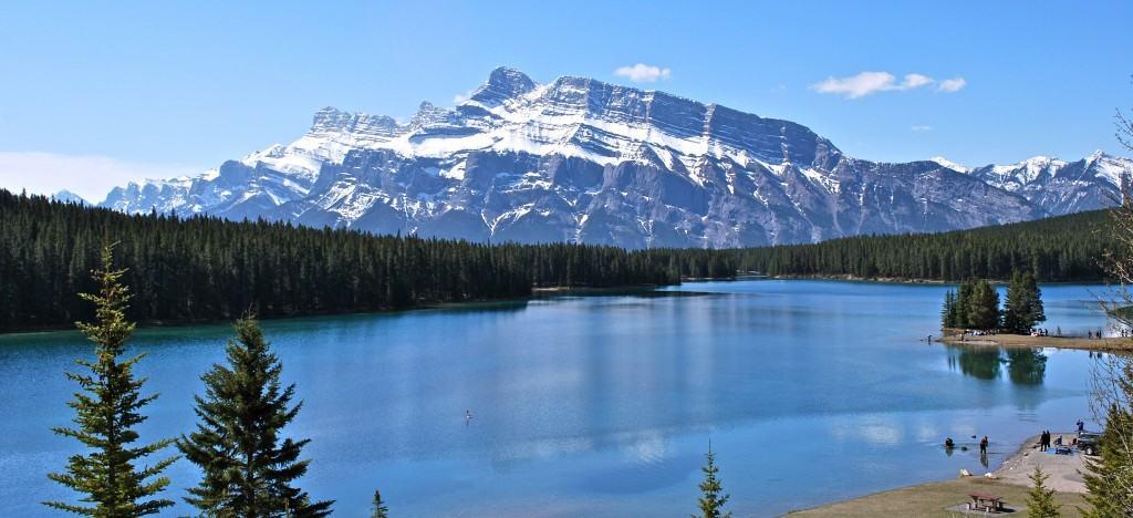 Johnson-Lake-Banff-Alberta-Canada