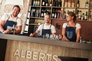 Alberts eten en drinken, Alberts eten, Alberts drinken Alberts eten en drinken Amersfoort, Alberts Amersfoort, lunchen amersfoort, diner amersfoort, restaurant amersfoort, cafe amersfoort, bar amersfoort, hippe bar amersfoort, hotspot amersfoort, uitgaan amersfoort, vers eten amersfoort, biologisch eten amersfoort, lekker eten amersfoort, tips amersfoort, cityguide amersfoort, dagje uit amersfoort, wat te doen in amersfoort, gratis tips amersfoort, stedengids amersfoort, Travel Rumors