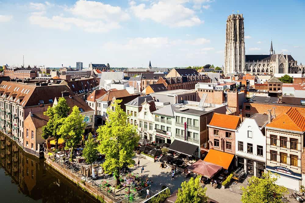Bezienswaardigheden Mechelen - Vismarkt en Sint-Romboutstoren