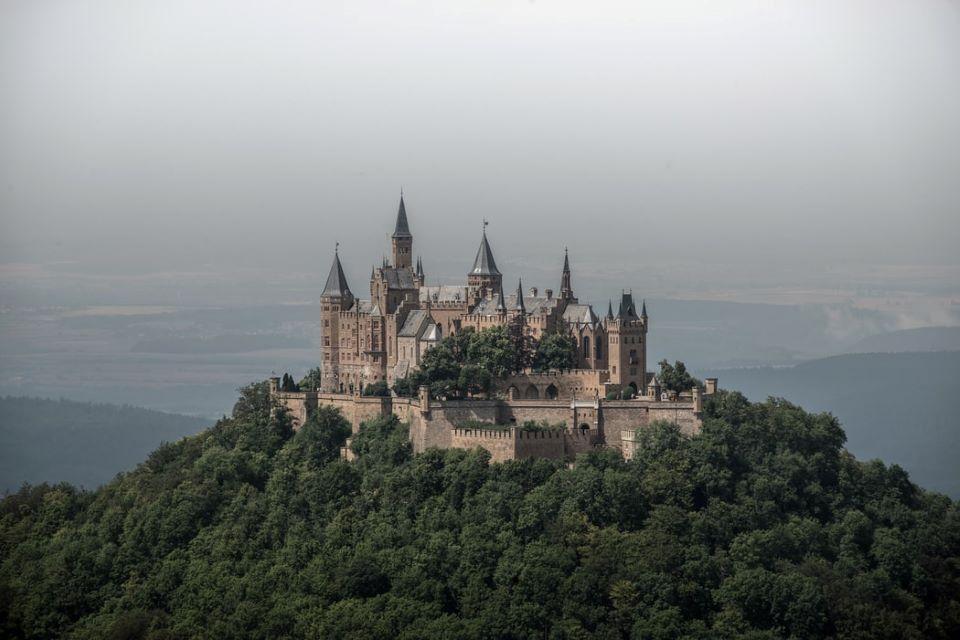 Burg-Hohenzoller-bezienswaardigheden in Zwarte Woud
