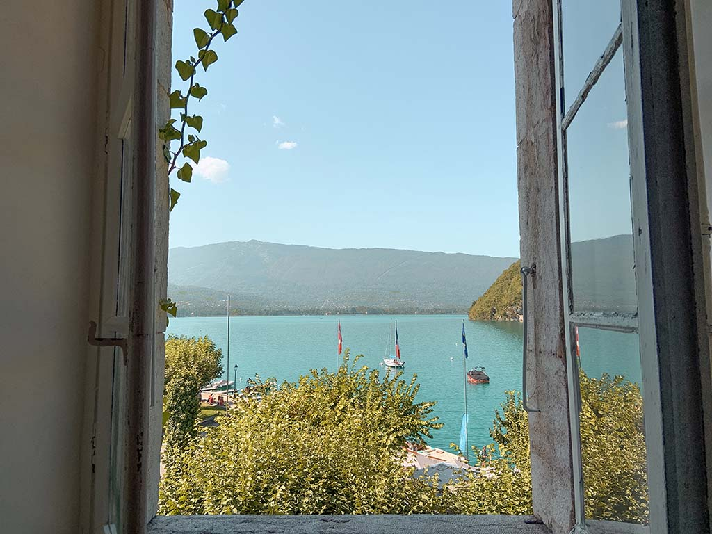 Luxe-hotels-annecy-raam