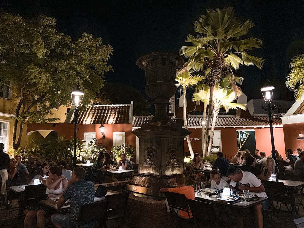 restaurants-curacao-gouveneur