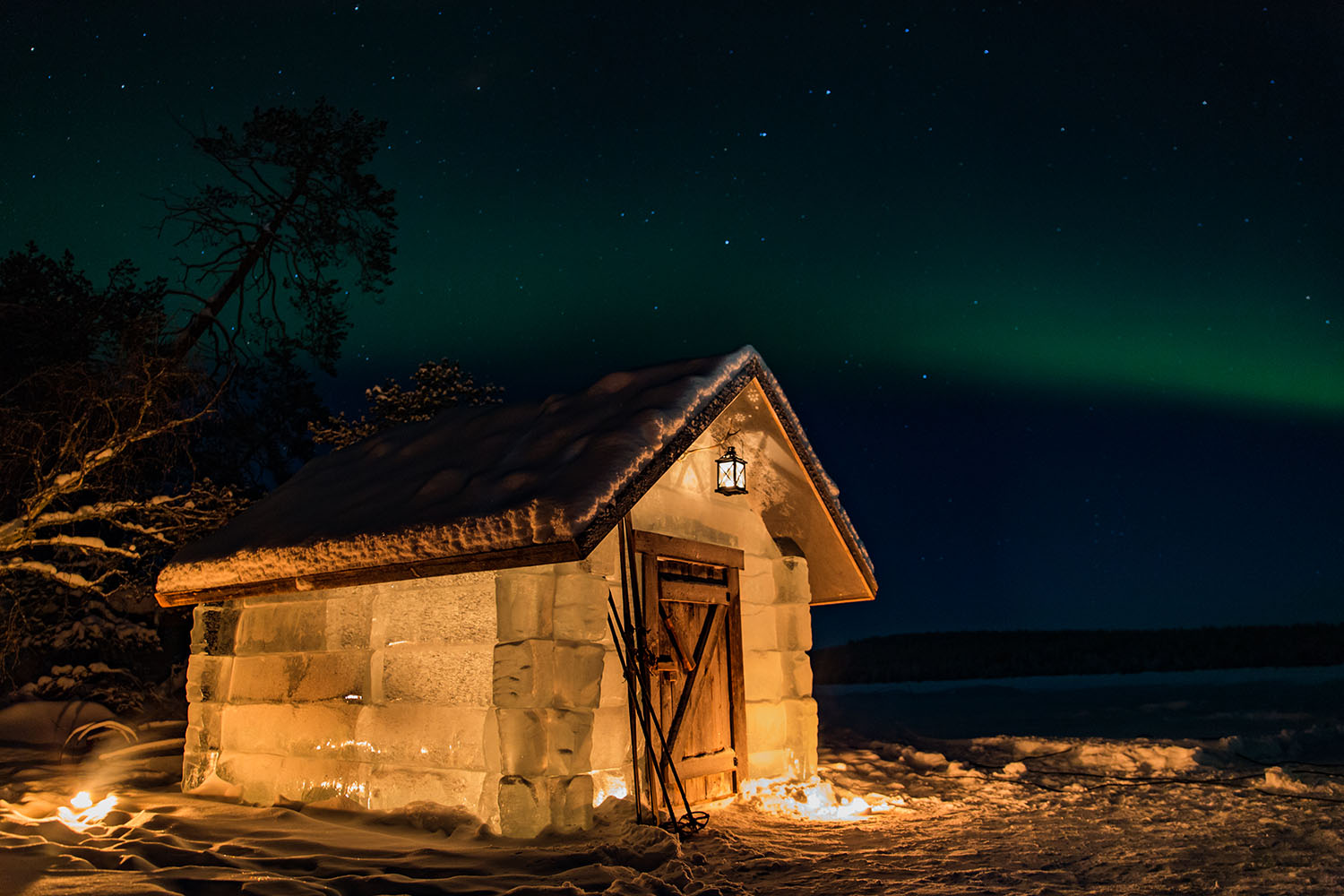 apukka-resort-ice-cabin-finland