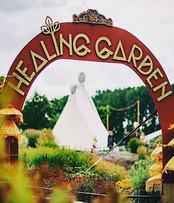 Tijdloops-camping-healing-garden