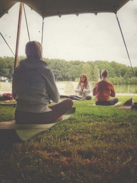 Tijdloos-camping-yoga