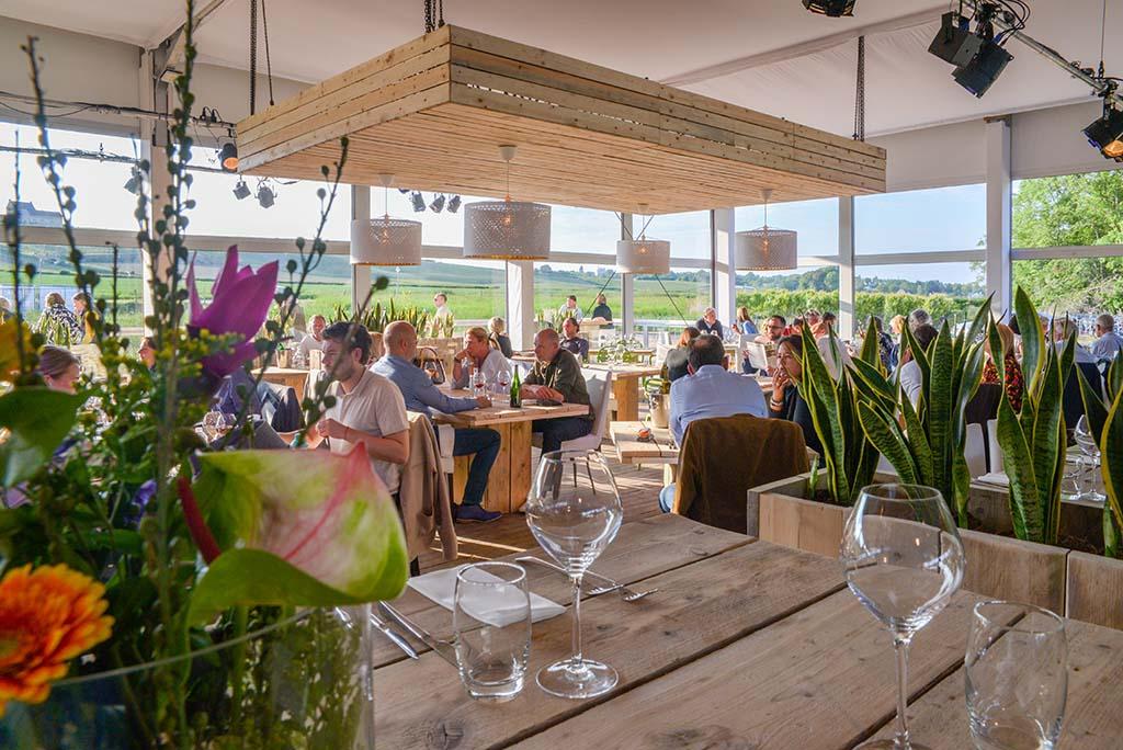 Wijnrestaurant-op-het-land uitzicht